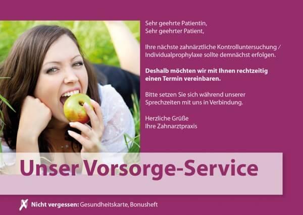 Vorsorge-Service Frau im Gras (Motiv 4)